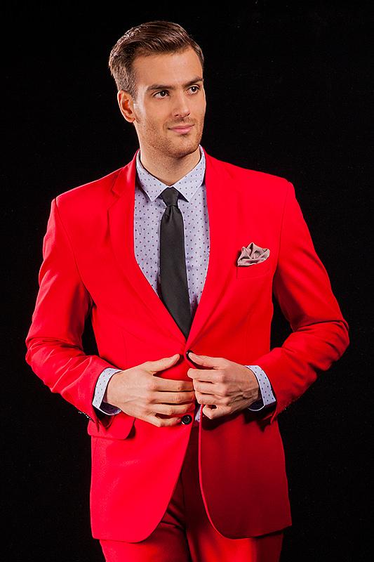 ca236ccc77d86 Červený pánský oblek, který ušijeme speciálně pro Tebe! | M&M SUITS